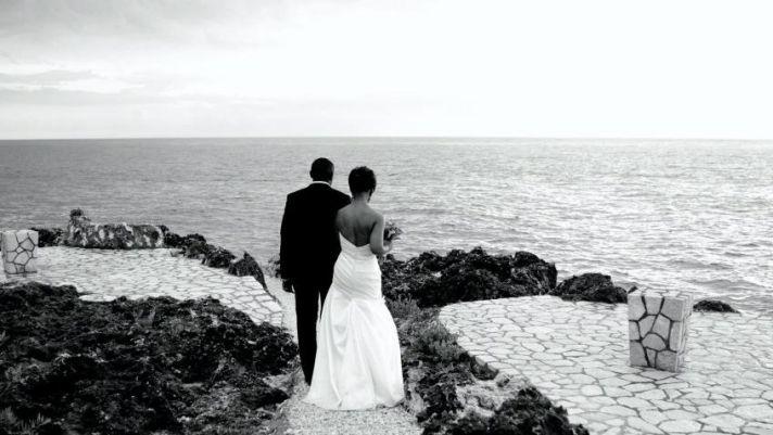 "Upload Your Fave Summer Wedding Photo, Win Digital Camera or 50"" Plasma HDTV!"
