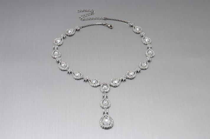 Beautiful drop pendant bridal necklace, pairs perfectly with a sweetheart neckline