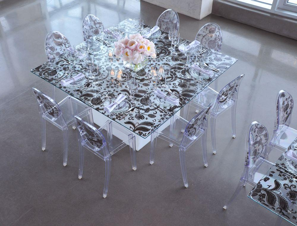 Modern and sleek wedding reception table with black and white paisley