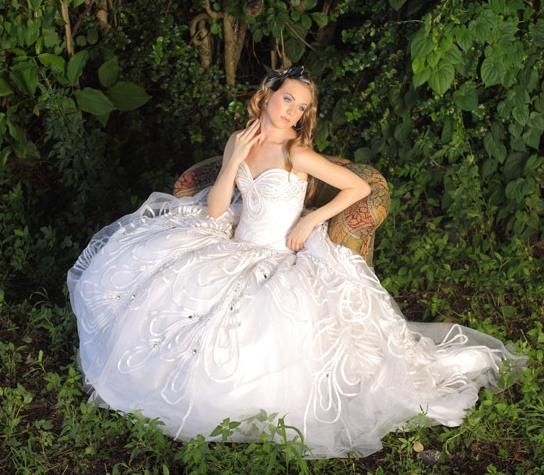 White sweetheart neckline wedding dress fit for a princess