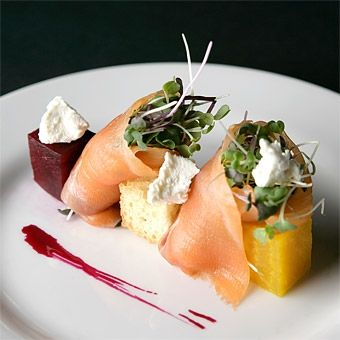 Delicious and eco-friendly salmon appetizer for your wedding