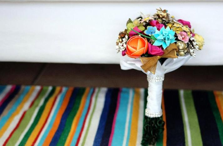 fantasy-florals-brooch-bridal-bouquets-vintage-chic-colorful-vibrant