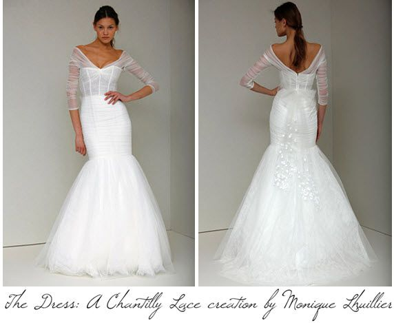 Monique Lhuillier created a custom Chantilly lace wedding dress for Carrie Underwood's wedding