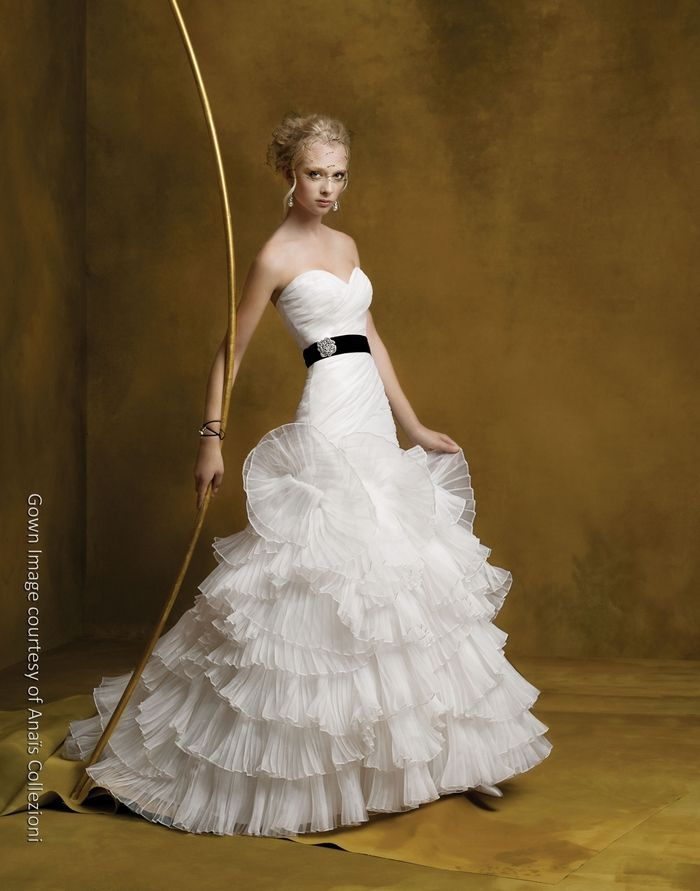 White sweetheart neckline drop-waist wedding dress with black sash