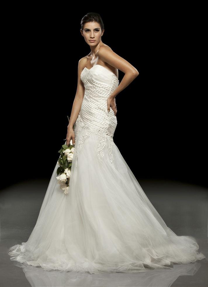 White lace drop-waist 2011 wedding dress by Francesca Miranda