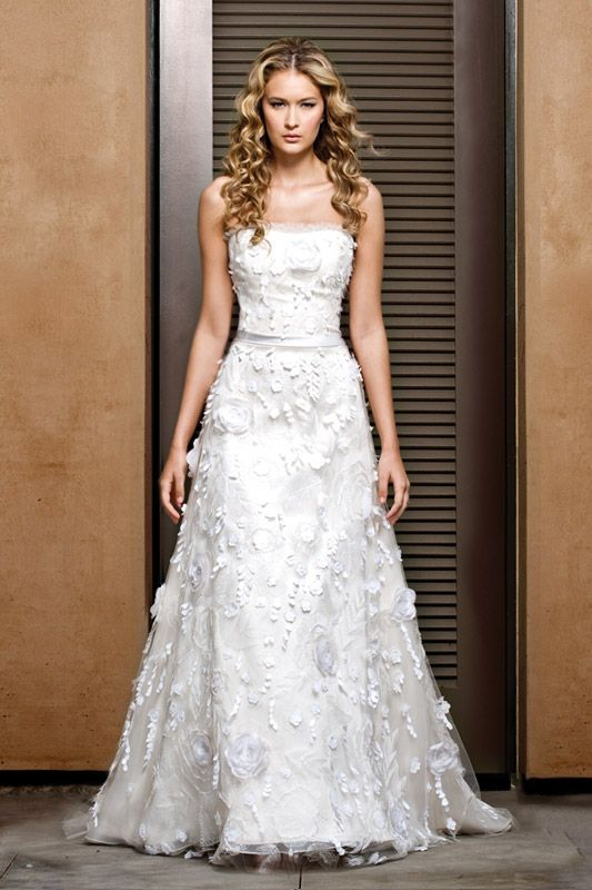 Gorgeous 2011 a-line wedding dress with 3D applique adding luxe texture