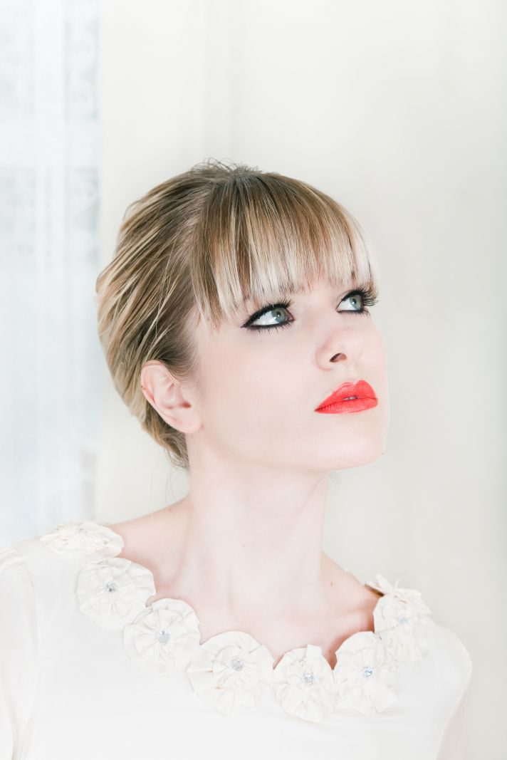 2011 bridal beauty trends- orange-red lips and dramatic eyes