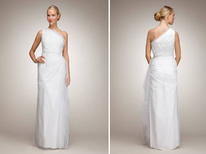 Chic one-shoulder column wedding dress with dot tulle fabric