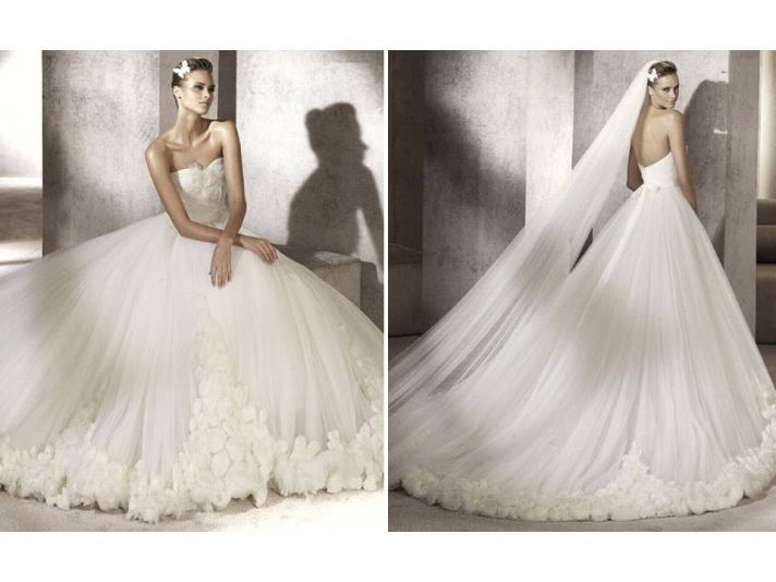 Romantic strapless tulle ballgown with lace applique