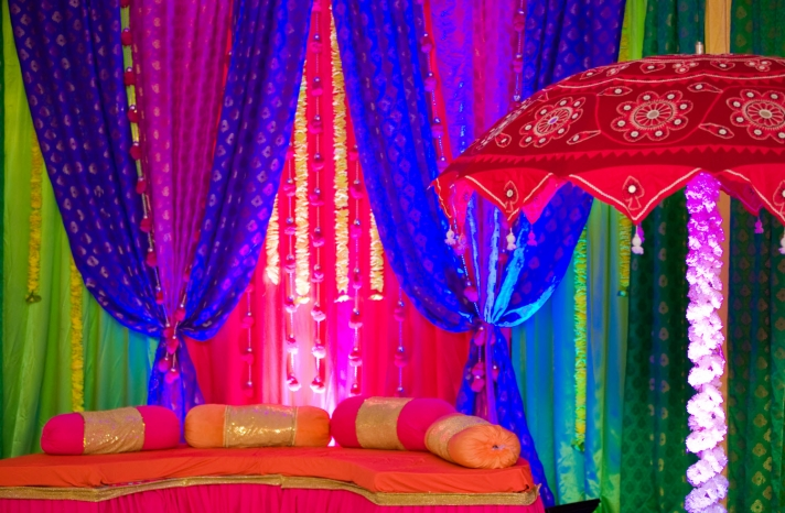 real-weddings-cultural-wedding-decor-theme-indian-wedding-bold-color-palette