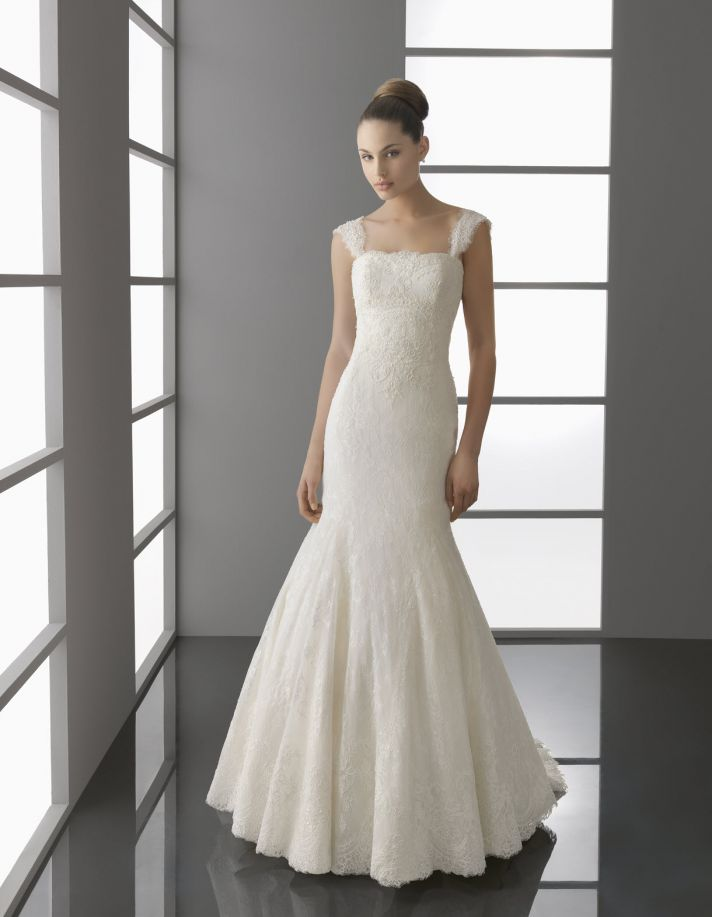 Ivory lace mermaid wedding dress with drop waist and cap sleeves by Aire Barcelona, Spring 2012