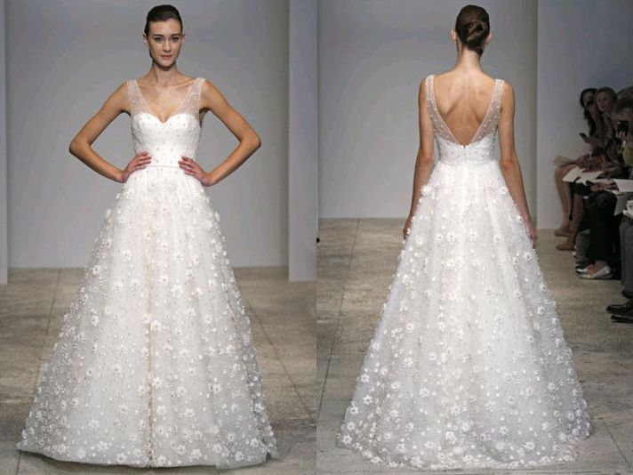 Top 10 illusion neckline wedding dresses onewed for Wedding dress with illusion top