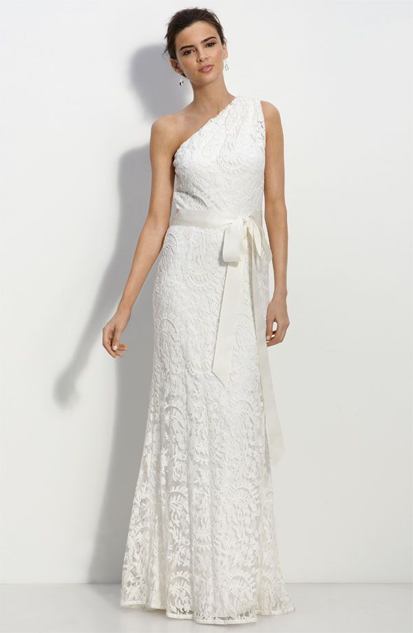 Romantic one-shoulder lace wedding dress