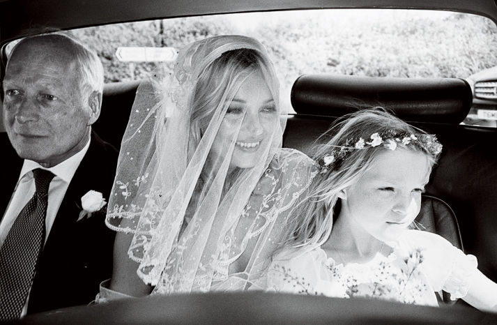 kate-moss-wedding-flower-girl-celeb-weddings