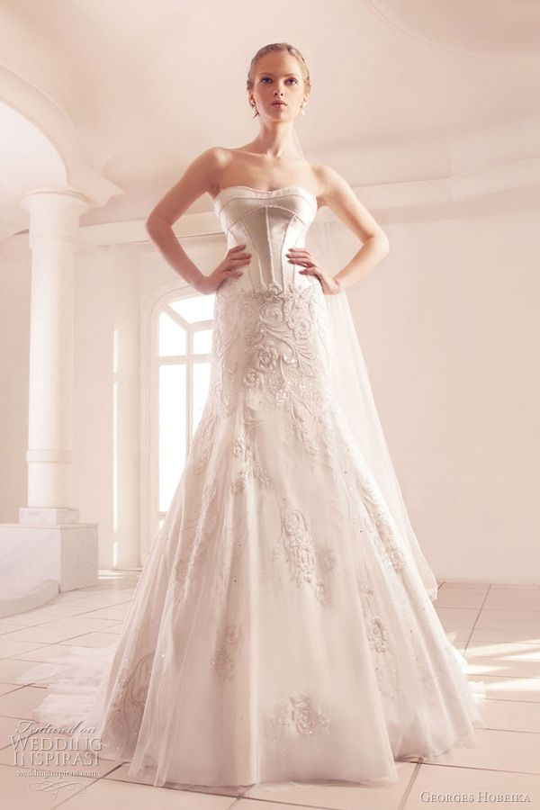 Sweetheart neckline wedding dress with floral beading