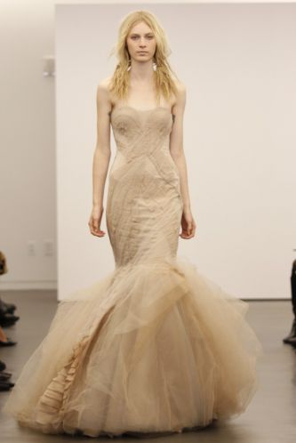 Vera Wang 39s offbeat wedding dress collection Fall 2012