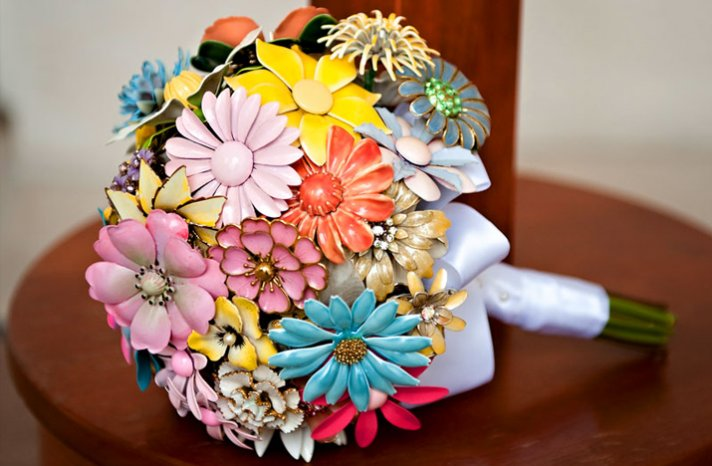 Brooch-bouquets-for-2012-brides
