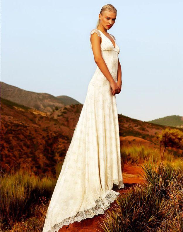 Elegant lace v-neck wedding dress