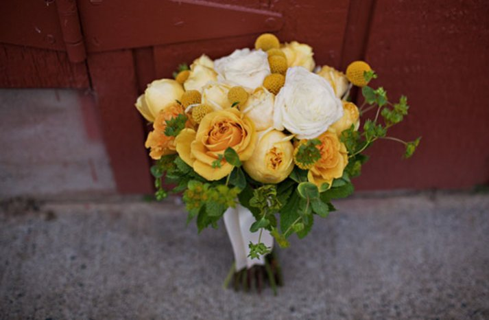 White-yellow-bridal-bouquet-8