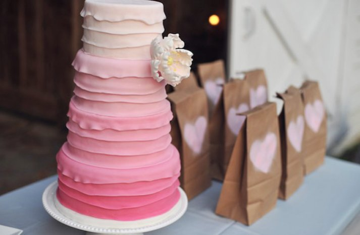 Pretty-pink-wedding-cakes-3