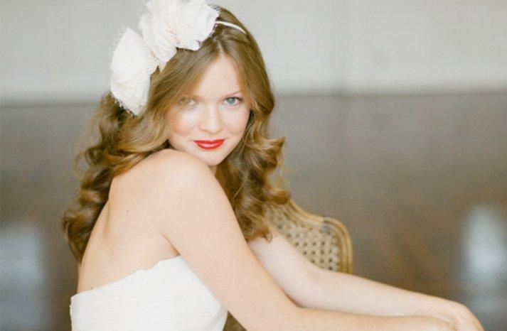 loose waves wedding hair red lips