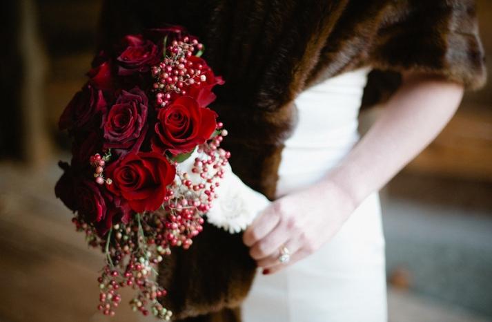 vintage bride red rose bridal bouquet fur shrug