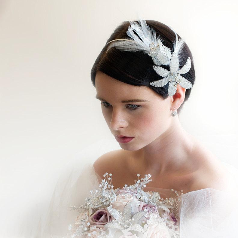 all white wedding style bridal headband 1 Credit Jan Laytham Gain