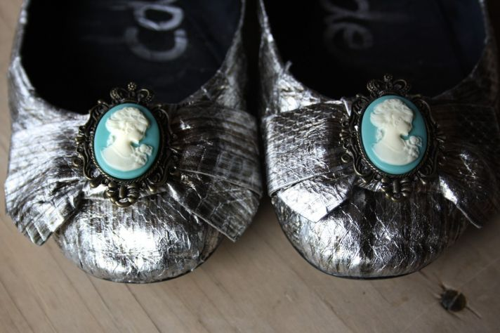 silver wedding flats cameo bridal shoe clips
