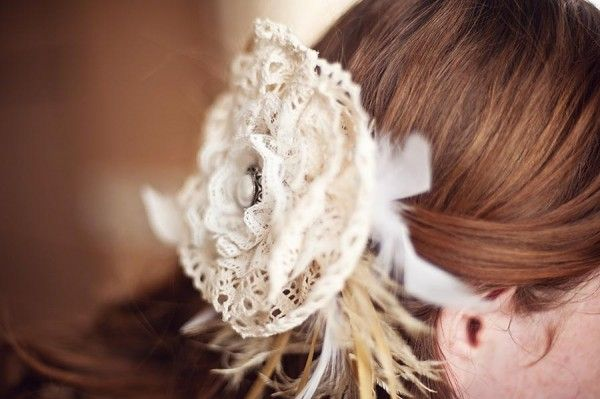 ivory lace and feather bridal fascinator