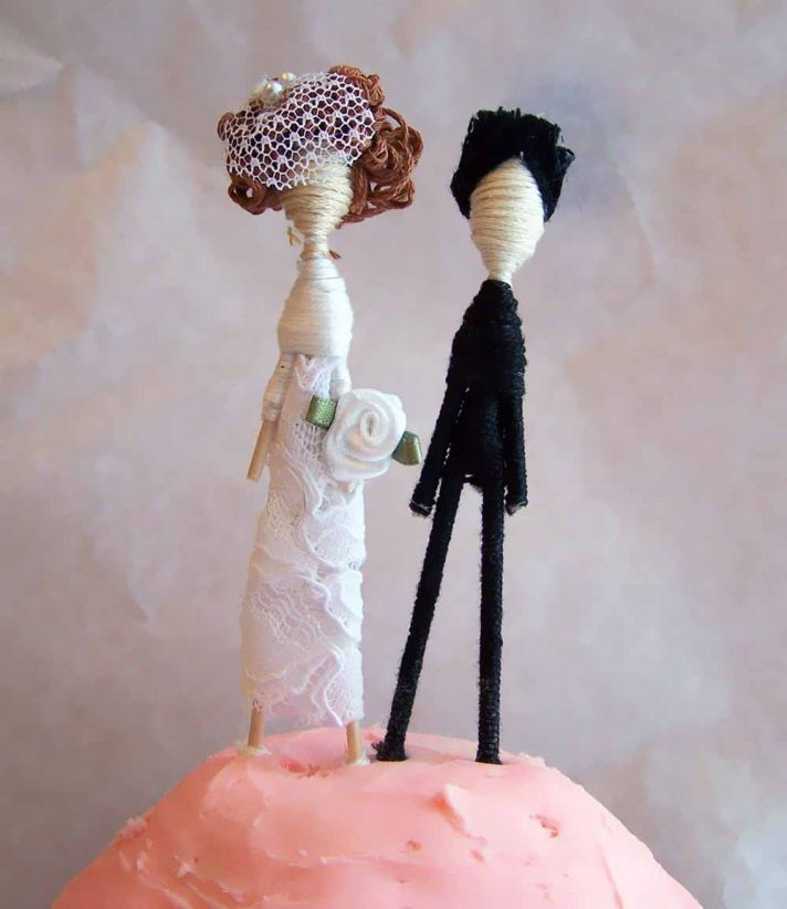 bride groom wedding cake topper yarn