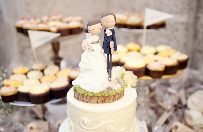 cute bride groom wedding cake toppers custom with realistic wedding garb