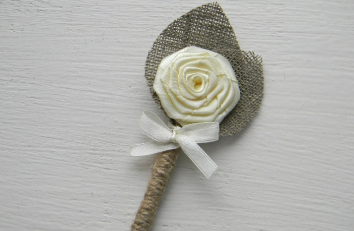 grooms boutonniere rustic wedding