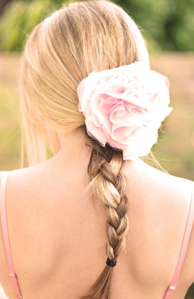 diy wedding hair flower blush pink romantic