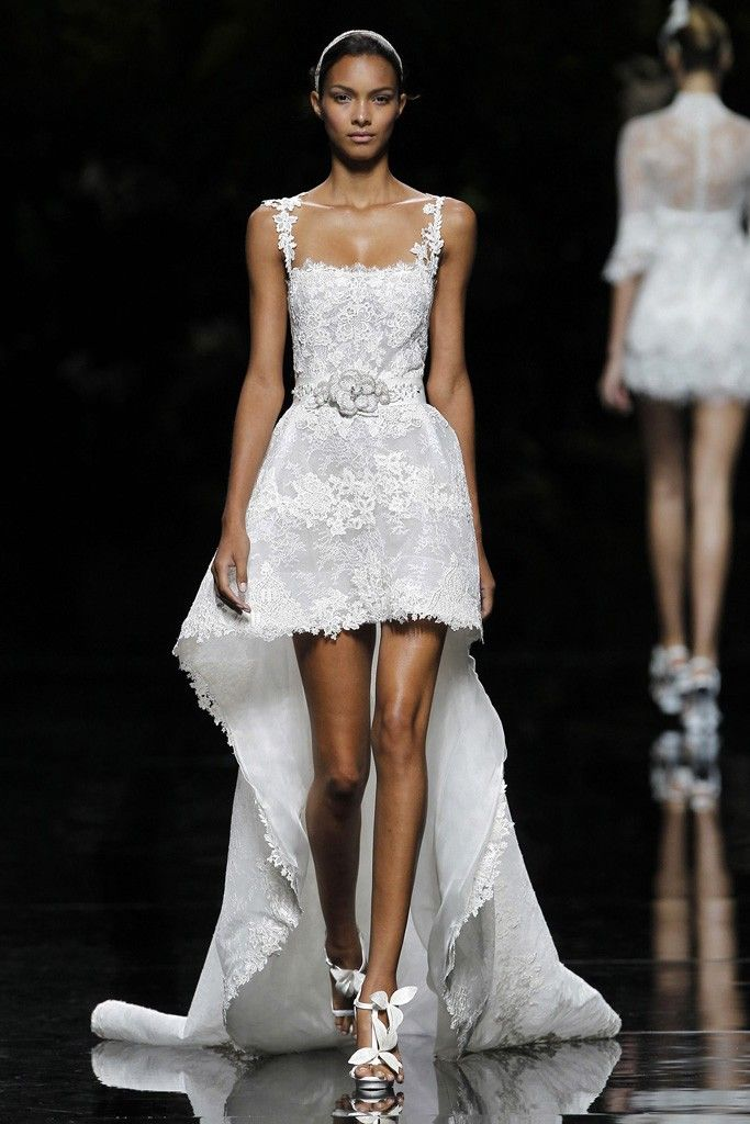 Unique Wedding Dress By Pronovias Show A Little Leg