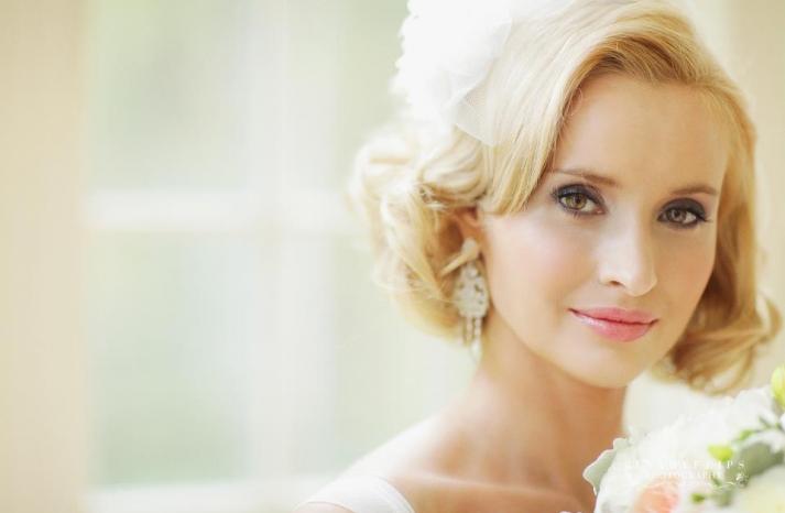blonde vintage bride short wedding hair 2