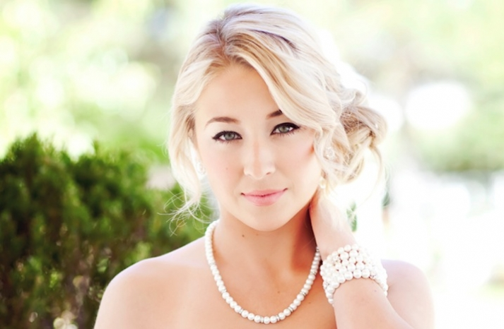 glamourous brides guide to wedding day style pearls