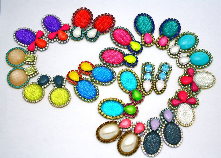 bridesmaid gift ideas bright statement necklace 2
