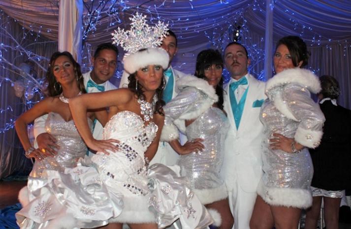 bad bridesmaid style ugly bridal party photos wedding fun ice queens