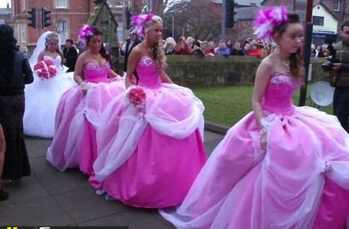 Ugly-bridesmaid-dresses-pink-poufs-3