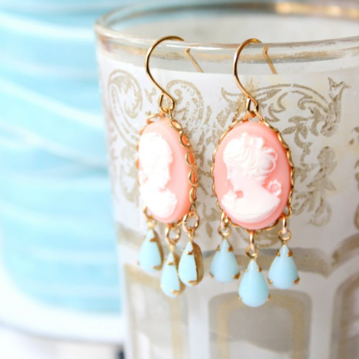 cameo wedding finds bridal earrings