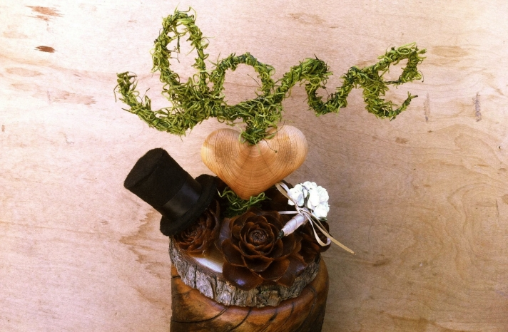 handmade wedding finds for fall weddings rustic cake topper 3