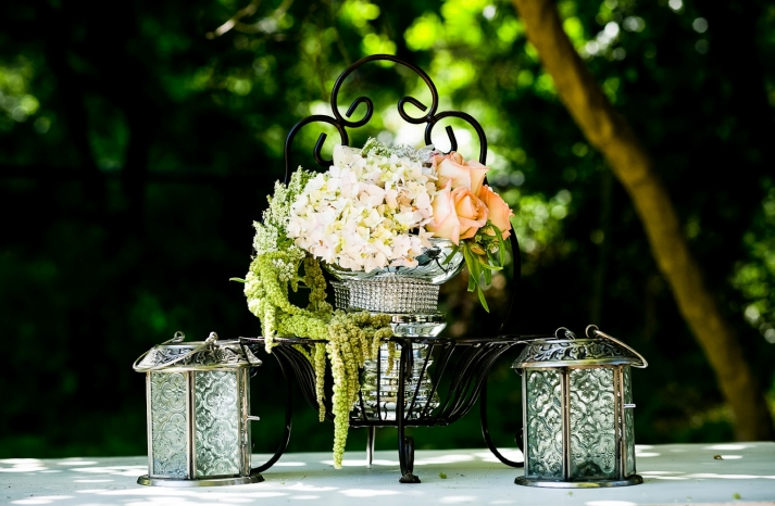 California wedding San Francisco mansion venue elegant bridal inspiration flower arrangements peach roses ivory hydgrangeas