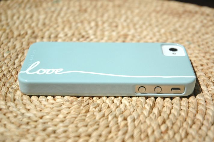 favorite iphone cases for brides modern tech weddings soft blue LOVE