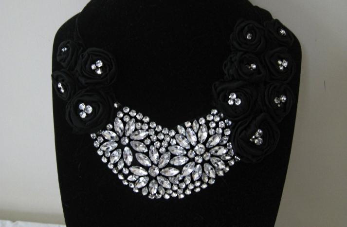 bejeweled bride wedding accessories statement necklace