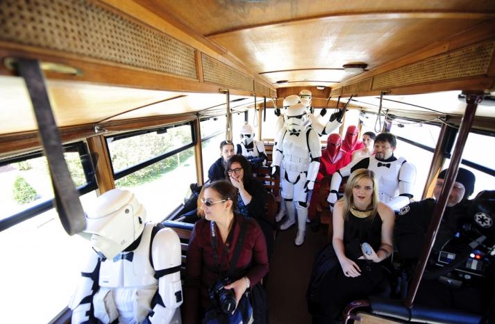 Halloween wedding inspiration Best costumed couples Star Wars 3