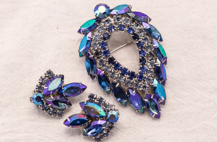 Something Blue for the Bride Splurge or Save 3