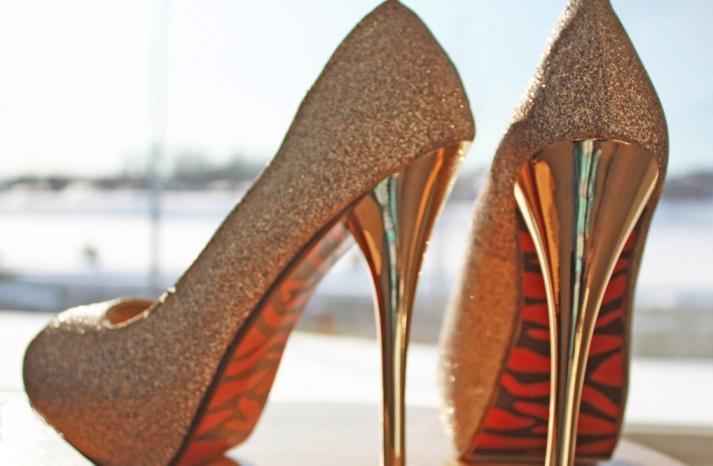 Glittery Gold Wedding Finds for Glam Handmade Weddings bridal heels