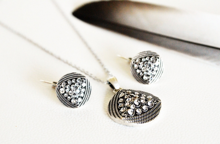 Art Deco Wedding Jewelry Pendant and Earrings Bridal Set