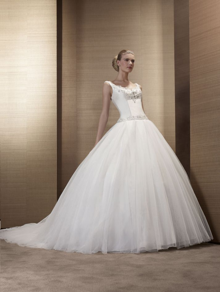 2013 Wedding Dress by Pronuptia Paris KF98