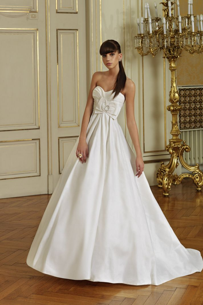 8 beautiful wedding dresses for under 500 for Wedding dresses for 500 or less